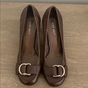 Nine West size 7 brown heels